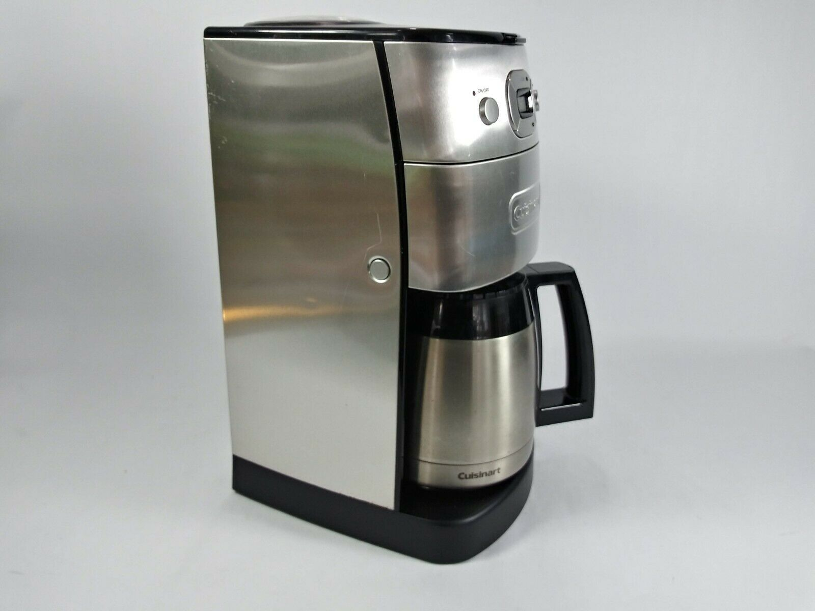 Side view of the DGB-625BC Grind-and-Brew